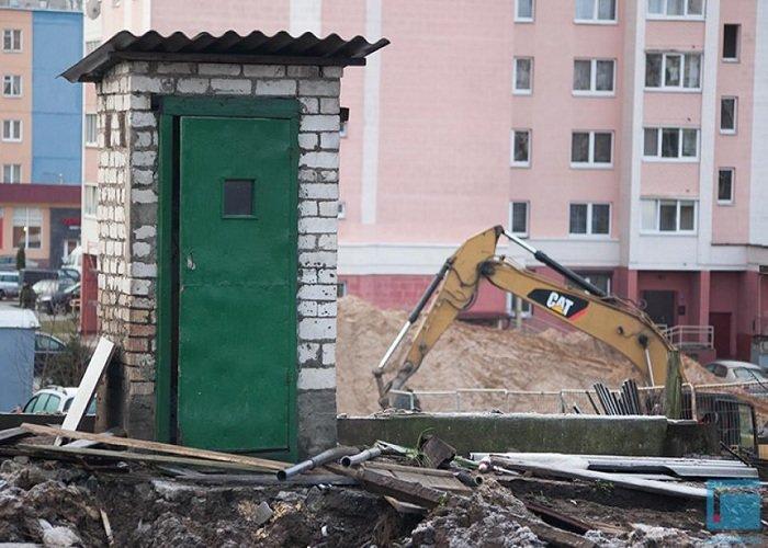 Фоторепортаж: в Гродно на улицах Татарская и Комбайнерская сносят частные постройки (фото) - фото 7