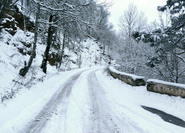 Горы Крыма замело снегом, лыжники открывают сезон, - очевидцы (ФОТО) (фото) - фото 1