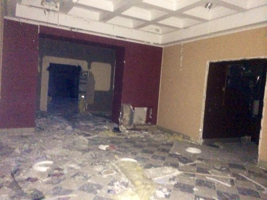 Клуб «YES» на Левобережье Мариуполя  разграбили подчистую (ФОТО, ВИДЕО), фото-6
