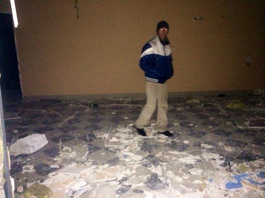 Клуб «YES» на Левобережье Мариуполя  разграбили подчистую (ФОТО, ВИДЕО), фото-5