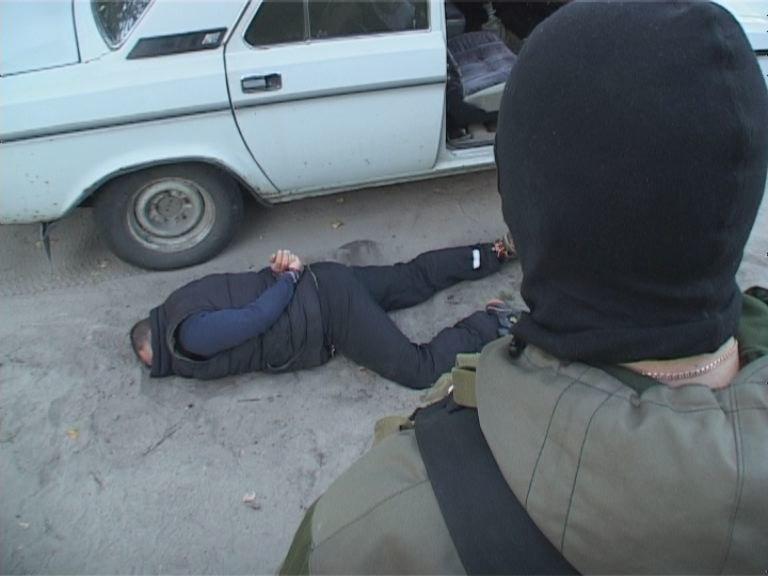 Террористов, бросивших гранату в военкомат, будут судить в Днепропетровске (ФОТО) (фото) - фото 1