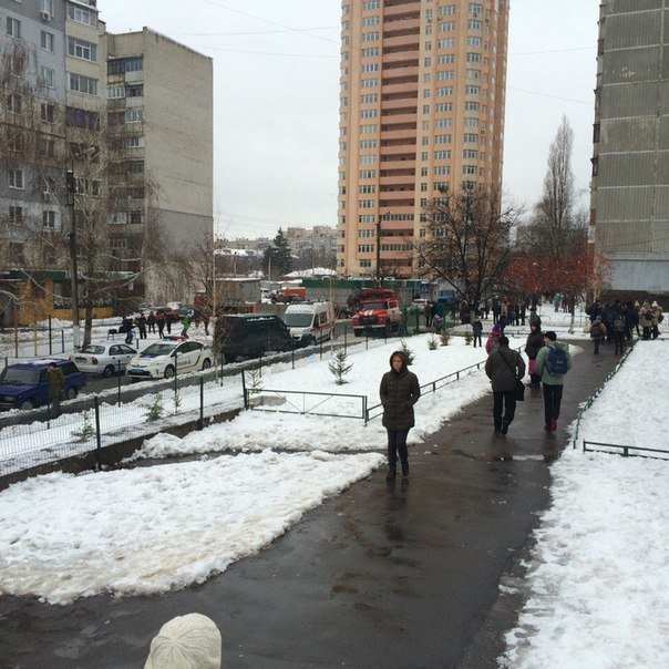 В одной из харьковских школ взорвали перцовый баллончик (ФОТО) (фото) - фото 1