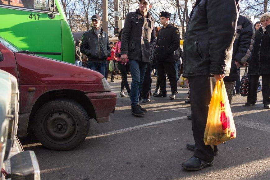В Одессе около Привоза торговцы заблокировали две дороги, парализовав движение по всему центру (ФОТО, ВИДЕО), фото-7