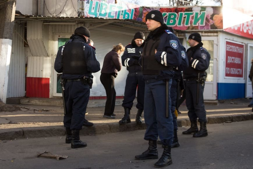 В Одессе около Привоза торговцы заблокировали две дороги, парализовав движение по всему центру (ФОТО, ВИДЕО), фото-5