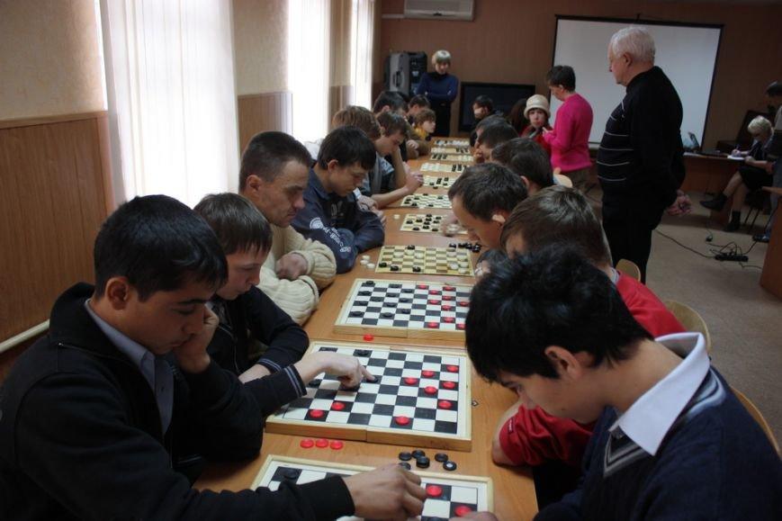 Кременчуг отметил Международный день инвалидов шашечными турнирами, стихами и песнями (ФОТО), фото-3