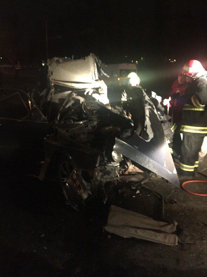 Около одесского автовокзала произошла смертельная авария: автомобили всмятку (ФОТО, ВИДЕО) (фото) - фото 1