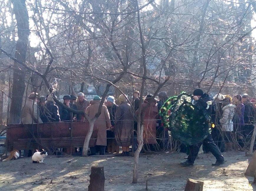 В Мариуполе похоронили 12-летнюю школьницу (ФОТО), фото-1