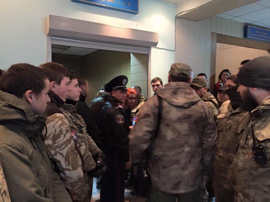 Будет жарко: Одесские патриоты вновь оккупировали Малиновский суд (ФОТО, ОБНОВЛЯЕТСЯ) (фото) - фото 1