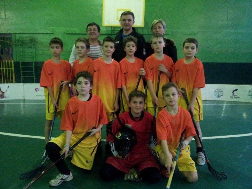 В Днепропетровске тысяча школьников приняло участие в школьной флорбольной лиге (ФОТО) (фото) - фото 3
