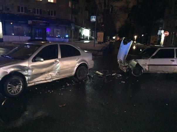 В Харькове высокопоставленный полицейский попал в ДТП (ФОТО) (фото) - фото 1