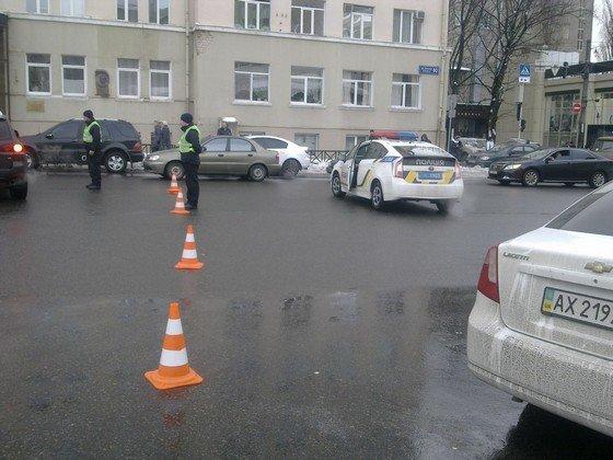В Харькове активисты пикетировали посольство Турции за помощь ИГИЛ (ФОТО) (фото) - фото 1