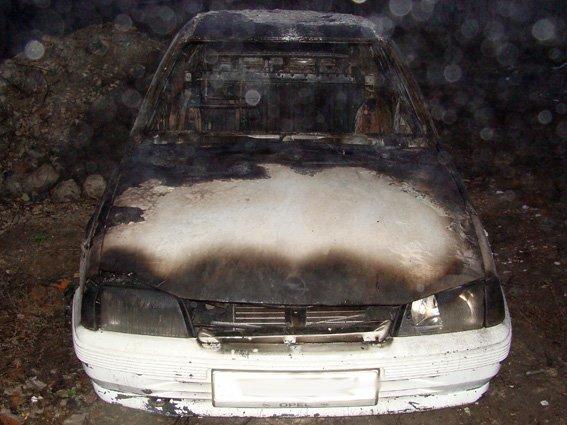 У Старокостянтинові вночі горіла автівка (Фото) (фото) - фото 1
