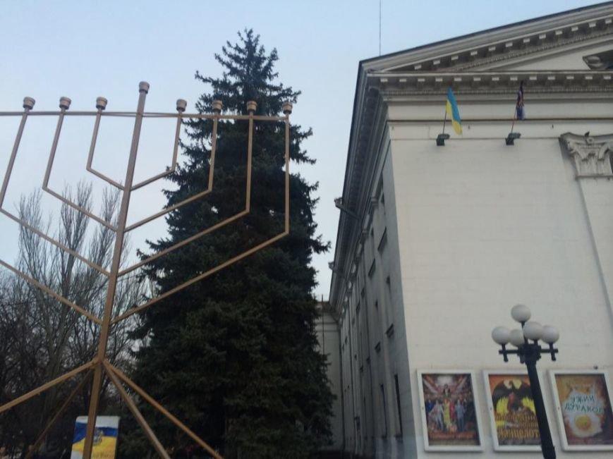 На площади перед драмтеатром установили ханукальную Менору (ФОТО, ВИДЕО), фото-4