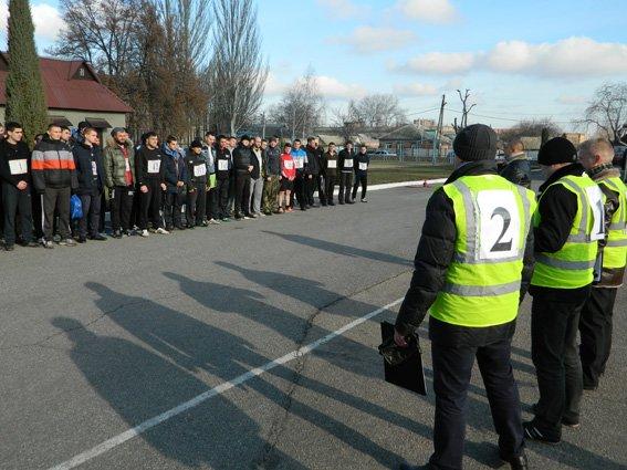Кандидаты в патрульную полицию Кировограда приступили к следующему этапу отбора. ФОТО, ВИДЕО (фото) - фото 1