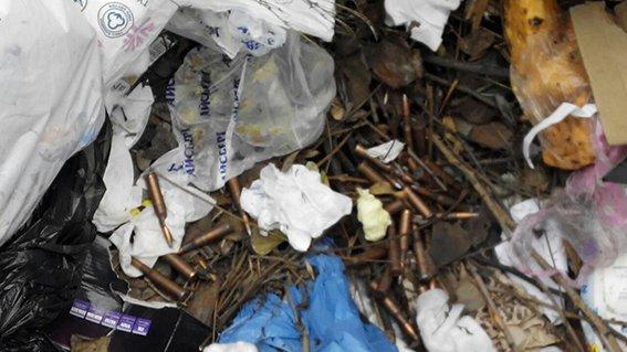В Днепропетровске в мусорном баке обнаружено патроны (ФОТО) (фото) - фото 2