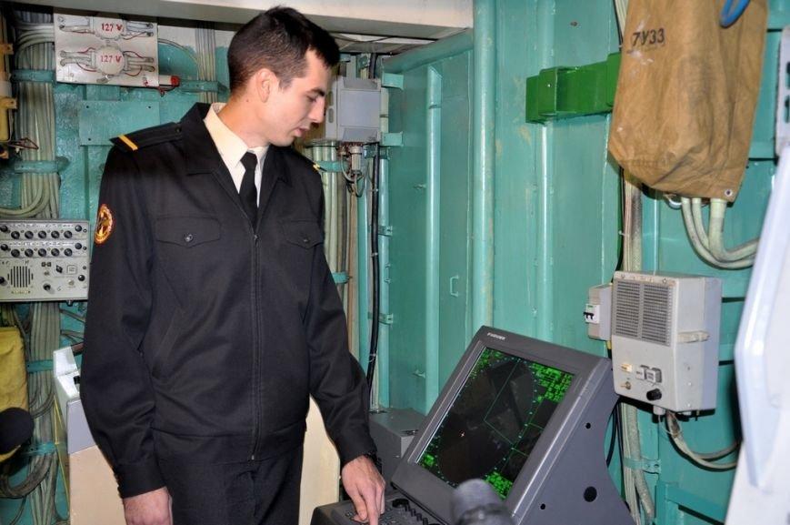 e2f926ddfdfdfaf73d062f43a0261643 Одесские волонтеры оснастили флагман ВМС Украины современной навигацией