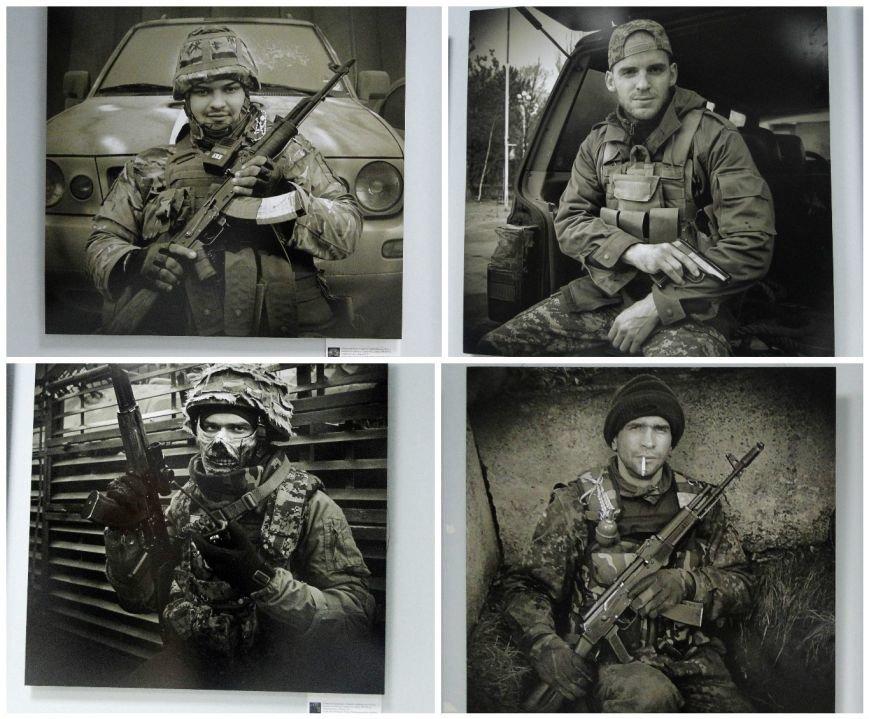 Виставка портретів «Добровольці» місяць пробуде у Хмельницькому музеї-студії фотомистецтва (Фото) (фото) - фото 5