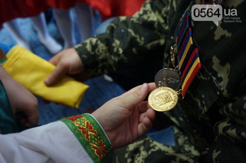 Уважение, восхищение, благодарность: бойцы и волонтеры посетили малышей детского сада №194 (ФОТО), фото-16