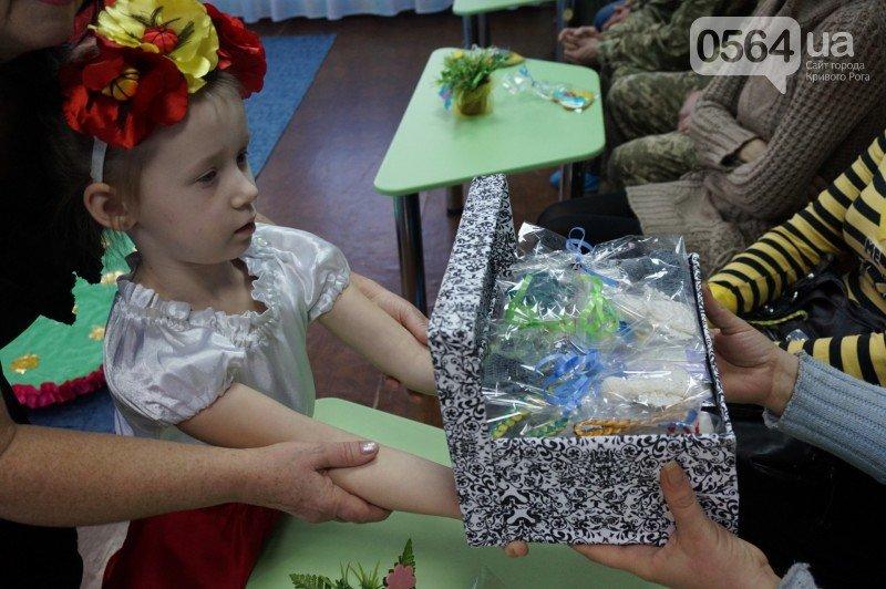 Уважение, восхищение, благодарность: бойцы и волонтеры посетили малышей детского сада №194 (ФОТО), фото-9