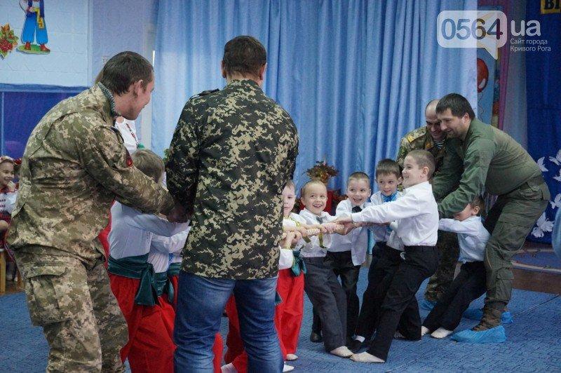Уважение, восхищение, благодарность: бойцы и волонтеры посетили малышей детского сада №194 (ФОТО), фото-5