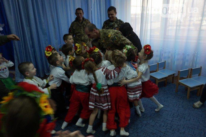 Уважение, восхищение, благодарность: бойцы и волонтеры посетили малышей детского сада №194 (ФОТО), фото-23