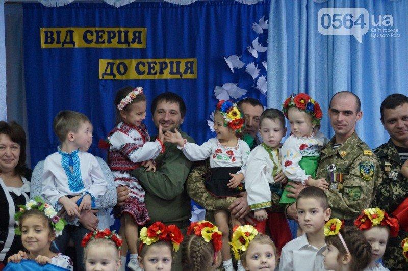 Уважение, восхищение, благодарность: бойцы и волонтеры посетили малышей детского сада №194 (ФОТО), фото-17