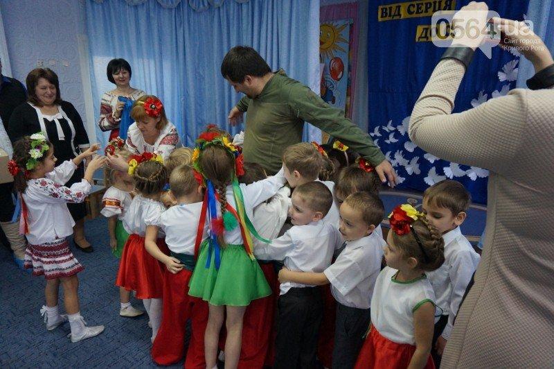 Уважение, восхищение, благодарность: бойцы и волонтеры посетили малышей детского сада №194 (ФОТО), фото-22