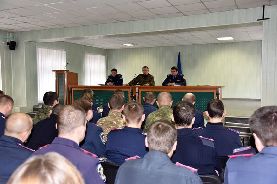 Глава полиции Донецкой области провел совещание в Славянске (фото) - фото 1