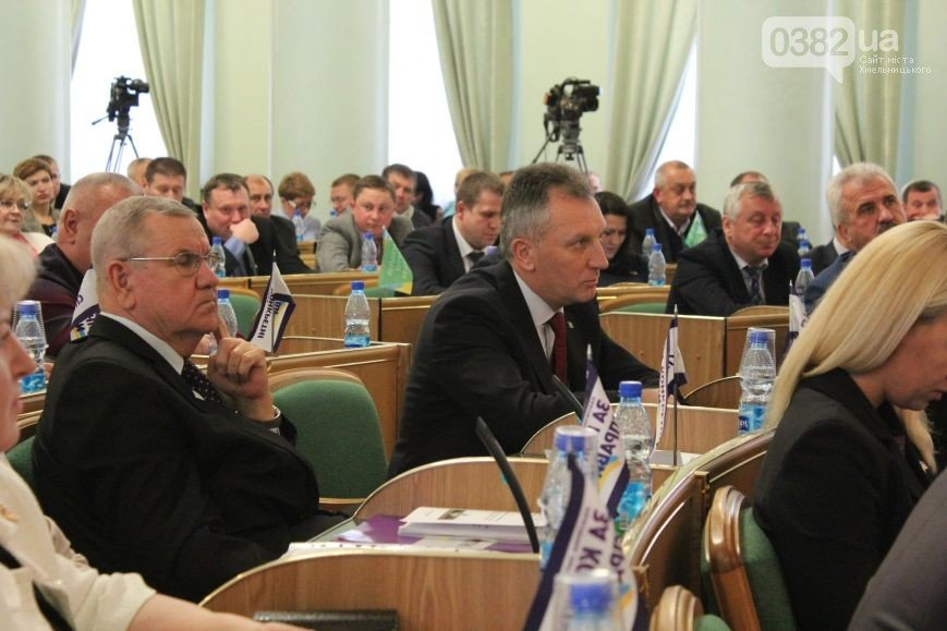 В Хмельницькій обласній раді створено нові депутатські групи та фракції (Фото) (фото) - фото 1