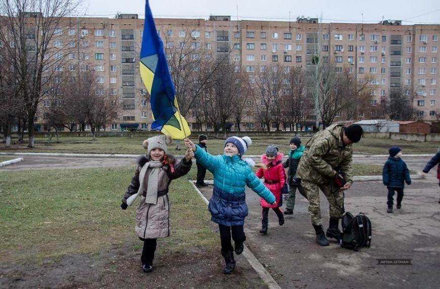 Военные на БТРе побывали в краматорской школе (ФОТО), фото-2