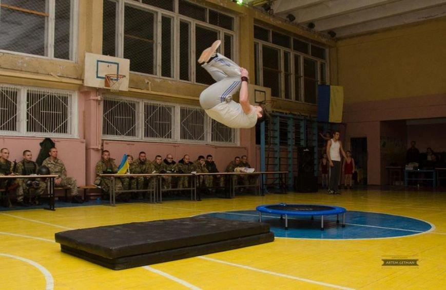 Военные на БТРе побывали в краматорской школе (ФОТО), фото-12