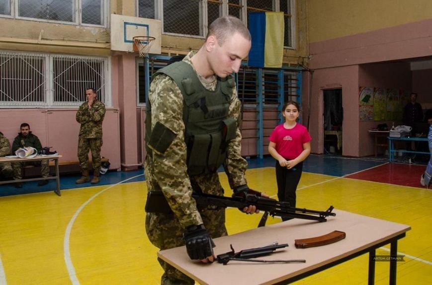 Военные на БТРе побывали в краматорской школе (ФОТО), фото-14