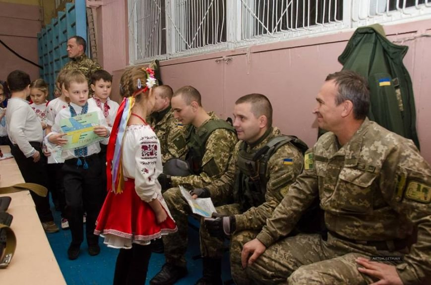 Военные на БТРе побывали в краматорской школе (ФОТО), фото-7