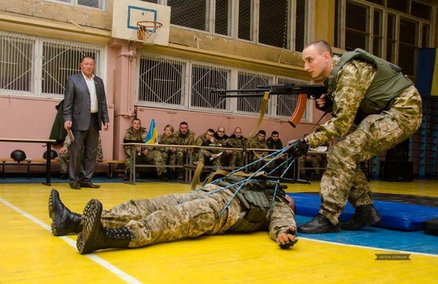 Военные на БТРе побывали в краматорской школе (ФОТО), фото-13