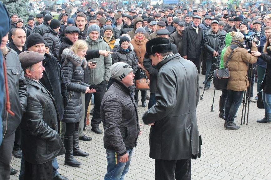 У Хмельницькому аграрії області вийшли на головний майдан міста (Фото, Відео) (фото) - фото 1