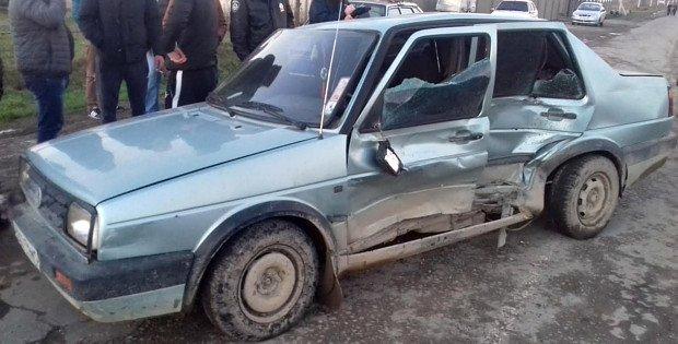 На Буковині зіткнулися легковик з мікроавтобусом, одна пасажирка постраждала (фото) - фото 1