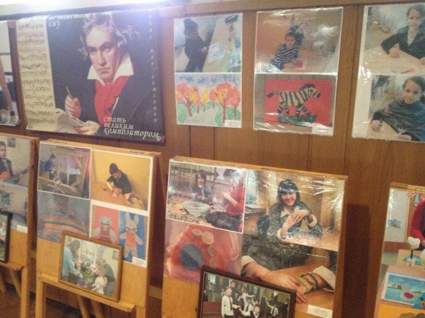 В Днепропетровске проходит выставка «Я могу все...» (ФОТО) (фото) - фото 5