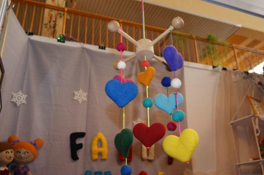 0ae0c441f596cf05ea8f2788cca461fc На одесском морвокзале собрали тысячи кукол