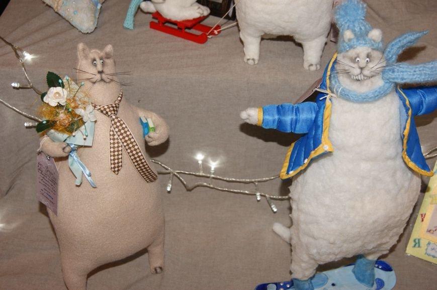 15f6c9fb87a4d31d702eda19c11c0349 На одесском морвокзале собрали тысячи кукол