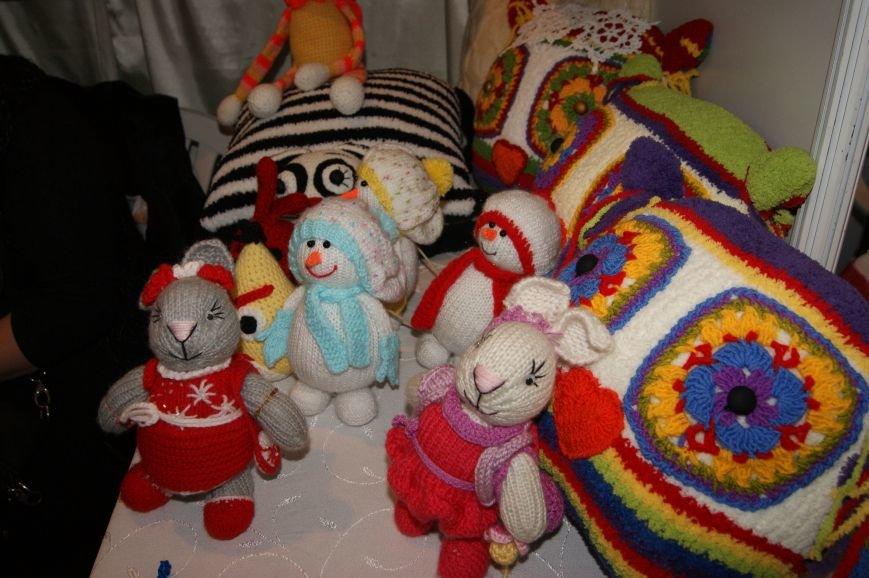 1e46aad0b7df0dc6d3f5872a39fb8dac На одесском морвокзале собрали тысячи кукол