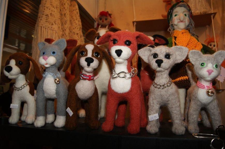 70b32c6e8fc797ad61ba7f2566cf2014 На одесском морвокзале собрали тысячи кукол