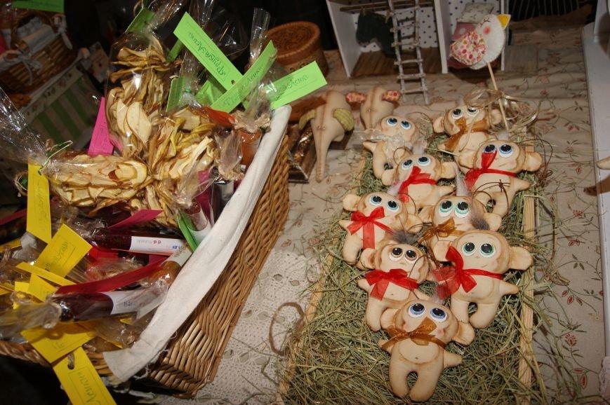 7a2e4023fd3d35a79af2cffa9ce8a7fd На одесском морвокзале собрали тысячи кукол