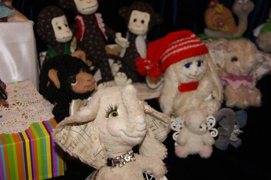 7c27d918c6b30065f8dbe409c8572ac5 На одесском морвокзале собрали тысячи кукол