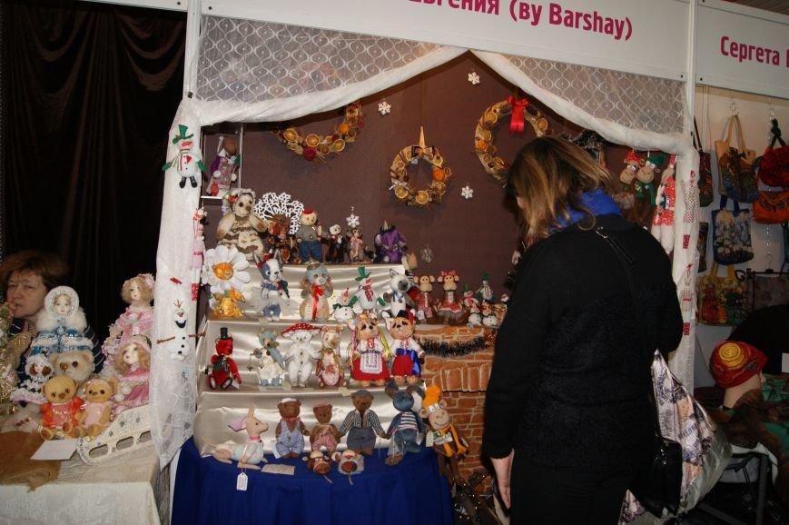 8a58c51db589bd97ffadc22715ac800f На одесском морвокзале собрали тысячи кукол