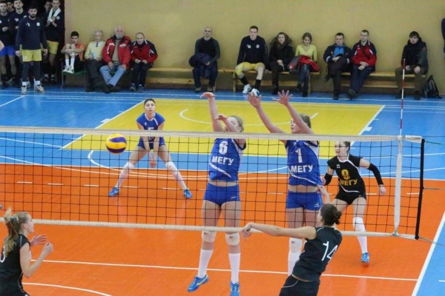 Волейболистки из Чернигове не одолели подруг по несчастью, фото-1