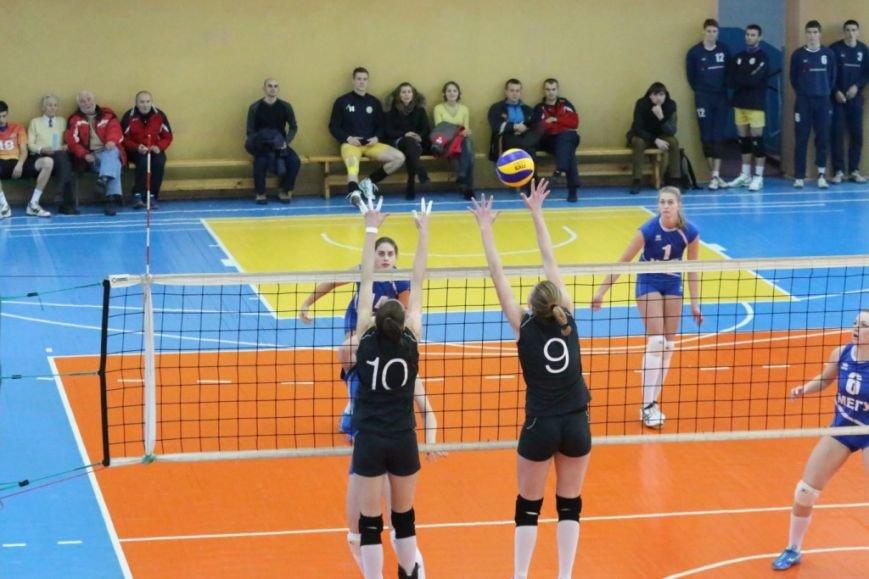 Волейболистки из Чернигове не одолели подруг по несчастью, фото-7