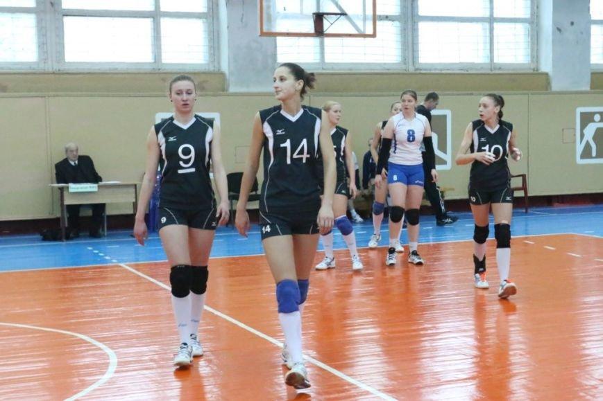 Волейболистки из Чернигове не одолели подруг по несчастью, фото-5