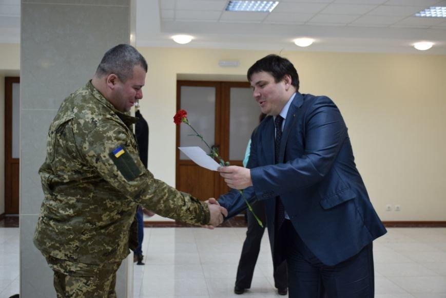 В Николаеве ключи от квартир получили семьи 9 воинов, участвовавших в АТО (ФОТО) (фото) - фото 4