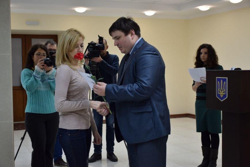 В Николаеве ключи от квартир получили семьи 9 воинов, участвовавших в АТО (ФОТО) (фото) - фото 2
