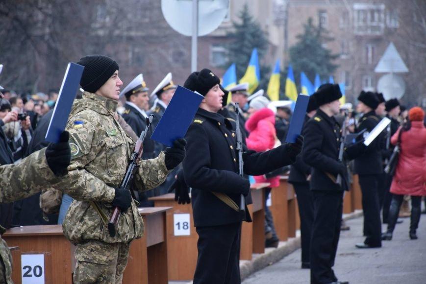 «Героями не рождаются, героями становятся», - в Николаеве 346 новобранцев торжественно приняли присягу (ФОТОРЕПОРТАЖ), фото-3